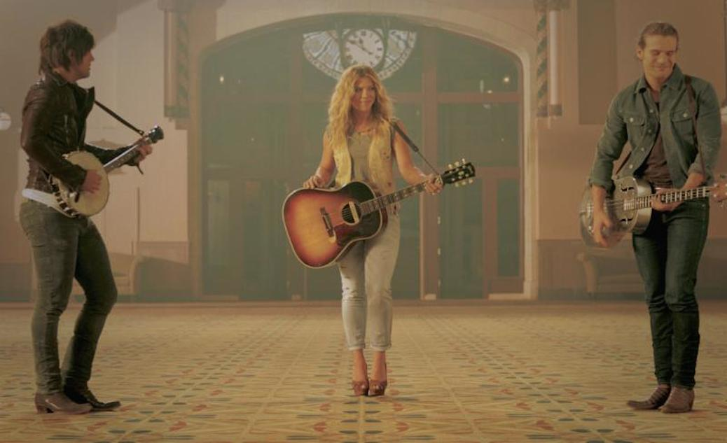 "The Band Perry Release ""Gentle On My Mind"" Video With Alexander Ludwig"